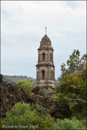 Steeple at Volcan de Pari­cutin